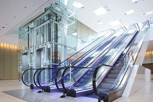 сервизирани асансьори и ескалатори