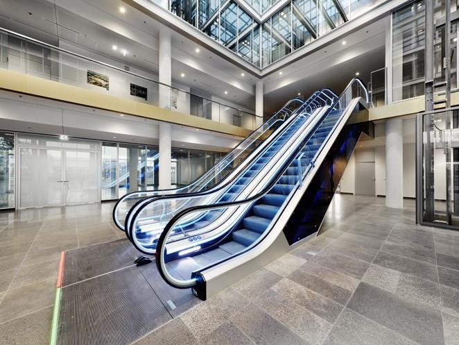 ескалатор ThyssenKrupp Velino поглед отстрани
