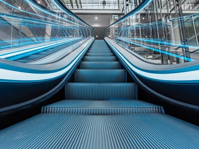 ескалатор ThyssenKrupp Velino детайл стъпала