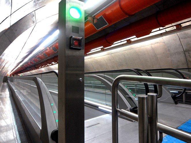 травелатор ThyssenKrupp iwalk в метростанция Paulista Бразилия