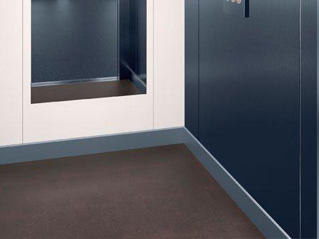 асансьор ThyssenKrupp Synergy 100 детайл интериор облицовка и прагове