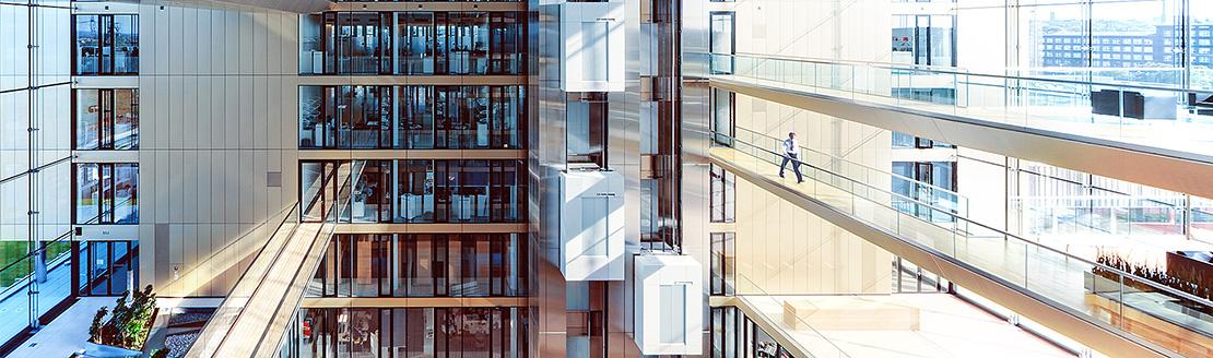 асансьор TWIN поставен в интериорно пространство