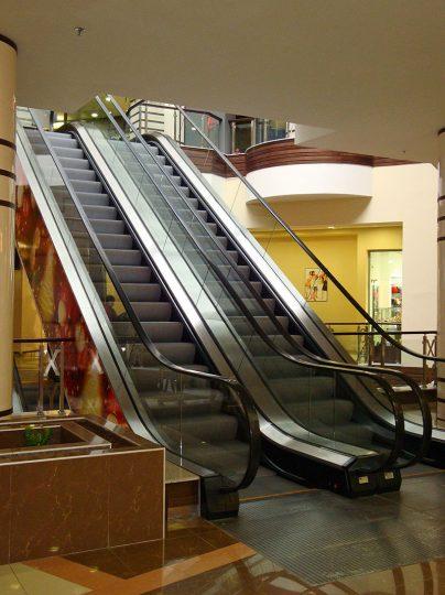 ескалатори със странични арт елементи
