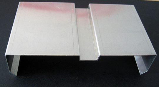 метален профил за асансьор поглед отстрани
