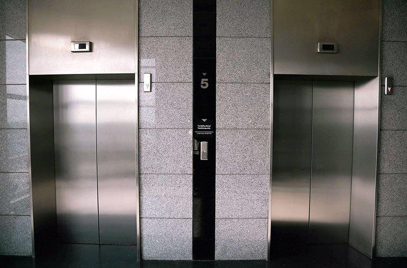 асансьорни врати от неръждаема стомана