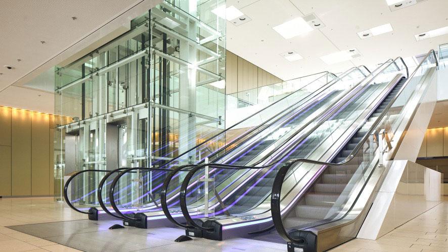 ескалатори Velino 100 с лед осветление и асансьори Тисен до тях